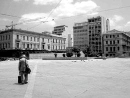 Ο δημόσιος χώρος ως πεδίο ρήξης ή εγκατάλειψης και ο δημόσιος χώρος ως πεδίο κατανάλωσης