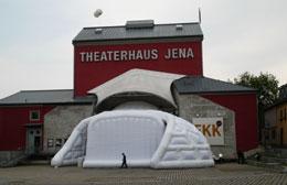 Φουσκωτή κατασκευή στο Jena Theaterhaus της Γερμανίας